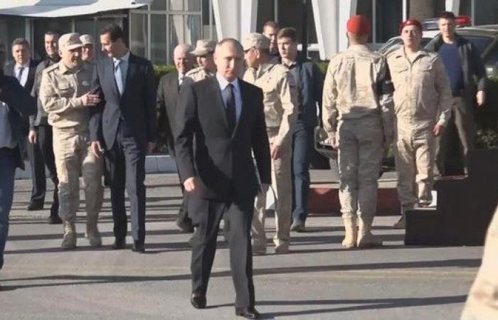 فيديو مهين.. هكذا منع الأسد من السير بجانب بوتين