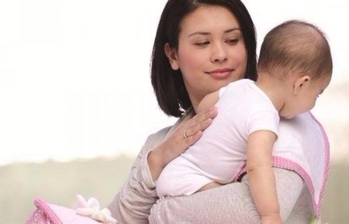 ترجيع الحليب عند الرضع.. متى يدعو للقلق؟