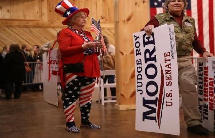 ترامب يخوض معركة كسر عظم إلى جانب مور في انتخابات ألاباما