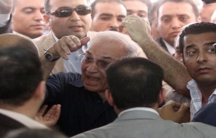 """مصر: الاستخبارات الحربية تسدّد فواتير إقامة شفيق في """"ماريوت"""""""