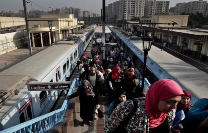 وزير النقل يثير سخرية المصريين: تذكرة المترو تساوي بيضة ونص