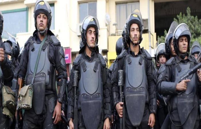 """أحزاب وشخصيات تؤسس حركة لمواجهة """"التدهور"""" بمصر"""