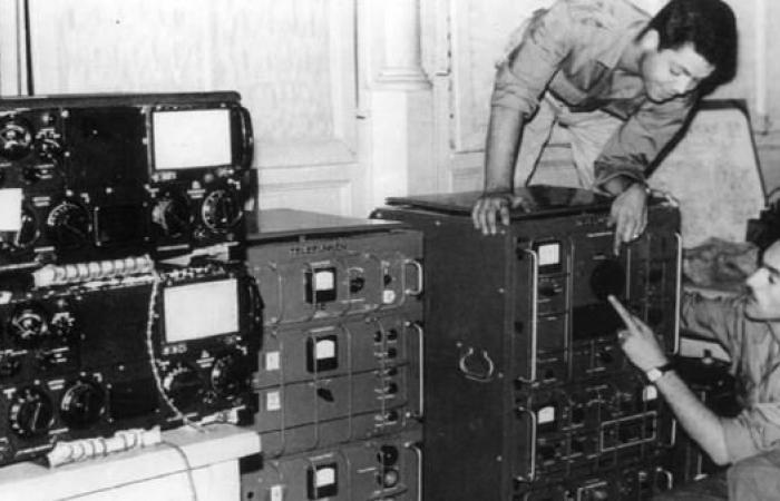 """""""هنا الجزائر حرّة"""": الإذاعة السرية ضد المستعمر"""
