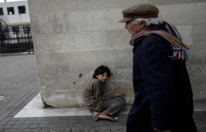 متسوّلو تركيا... انتحال صفة السوريين لكسب المال