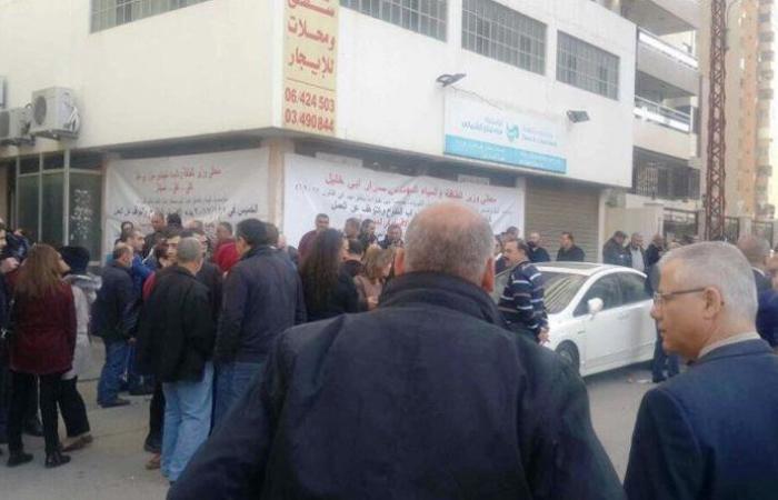 مستخدمو وعمال مؤسسة مياه لبنان الشمالي واصلوا إضرابهم المفتوح