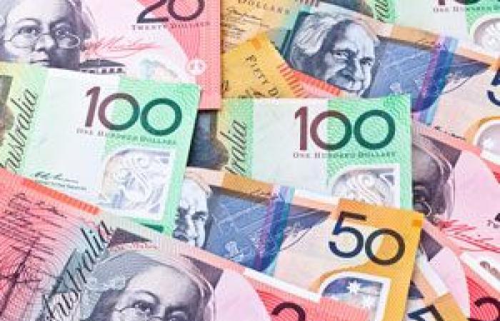 الدولار الأسترالي في طريقه إلى تسجيل ارتفاع على المستوى الأسبوعي