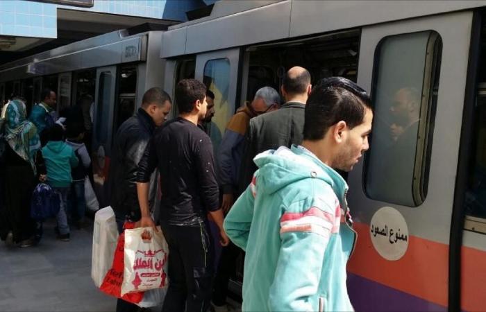 """صحيفة: مصر ترفع سعر تذاكر """"المترو"""" يوليو المقبل"""