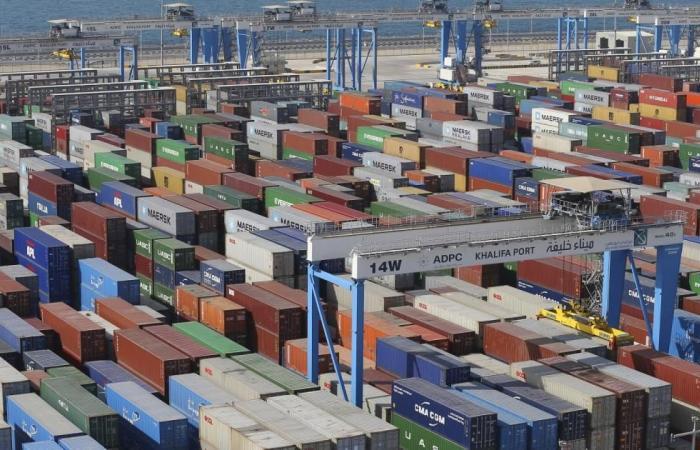 تجارة أبو ظبي غير النفطية تتراجع 5.3%