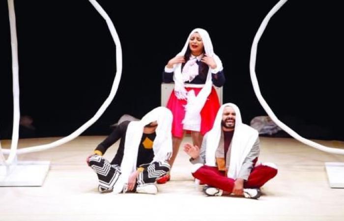 """""""المسرح العربي"""": أخطاء المهرجانات الرسمية نفسها"""