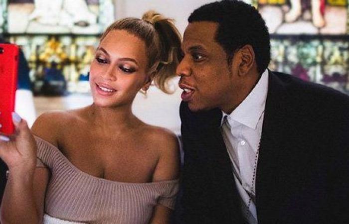 من داخل الكنيسة.. Jay Z يعترف بخيانته Beyonce وإعتذاره فنّي بإمتياز!
