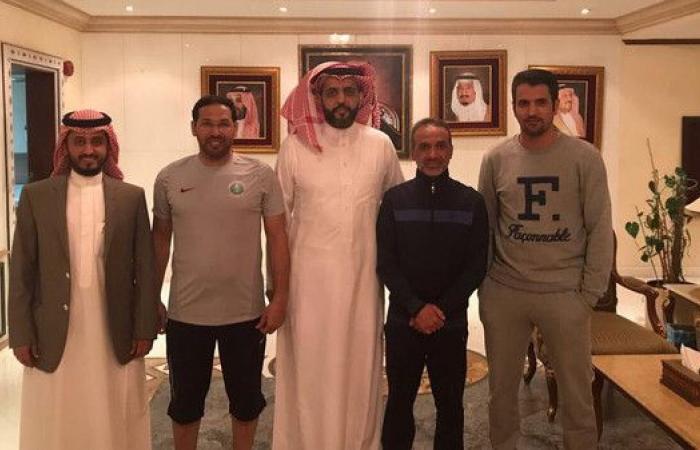 عبدالله الواكد وبدر حجي يستعيدان ذكرياتهما مع الشباب