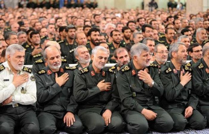 بالأسماء.. ضباط الحرس الثوري في اليمن لقيادة الحوثيين