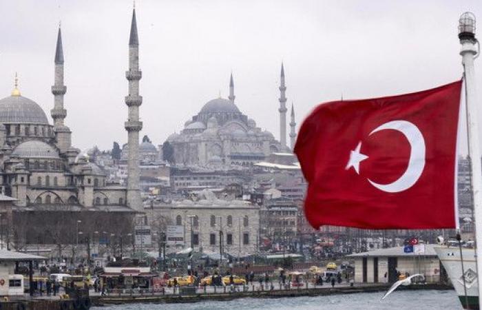 تركيا تحكم بسجن مشرع مؤيد للأكراد أكثر من 16 عاماً