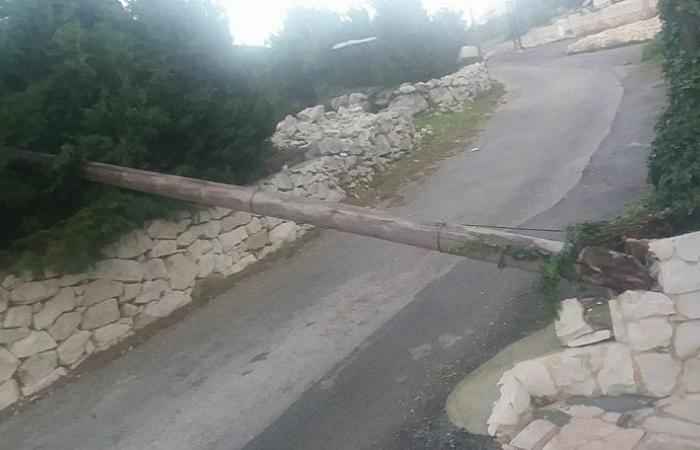 انقطاع التيار الكهربائي في قرى البترون بسبب اشتداد الرياح