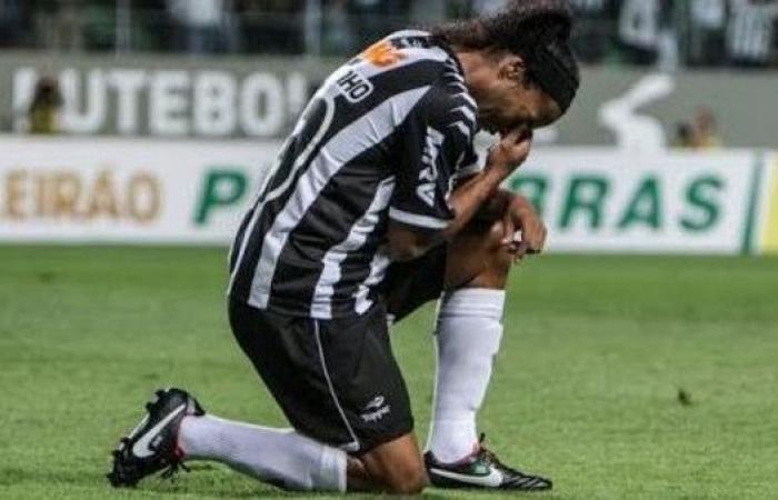 "رونالدينيو بعد اعتزاله: شكراً صديقتي ""العجوز"""