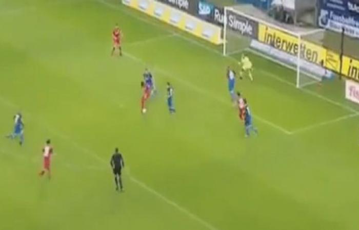 هدف بالكعب..يثير إعجاب الجماهير في الدوري الألماني