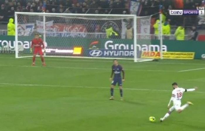 بالفيديو: لاعب عربي يسجّل هدفاً خرافيّاً في الدوري الفرنسي!