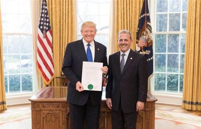 السفير اللبناني بواشنطن يقدّم اعتماده لترامب