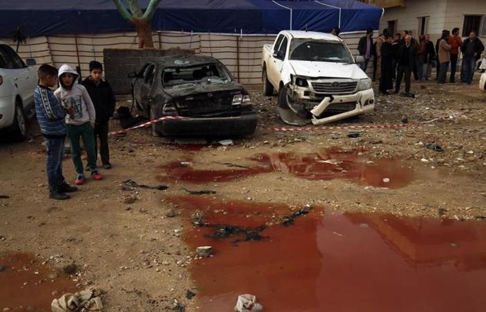 فيديو صادم.. إعدام 10 دواعش علناً في بنغازي