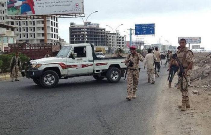 مصدر عسكري: 9 قتلى في اشتباكات بالدبابات في عدن