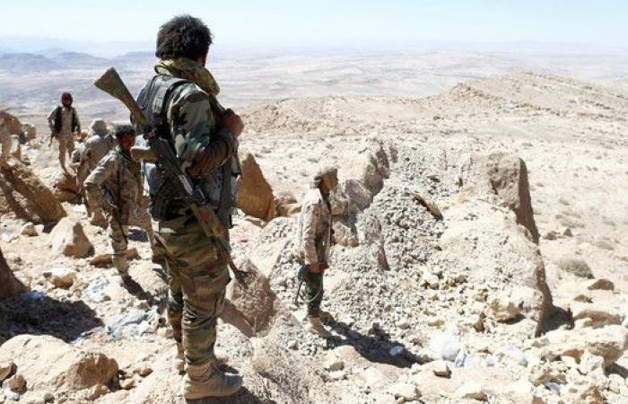 اليمن.. انضمام 200 قيادي وعنصر حوثي للشرعية