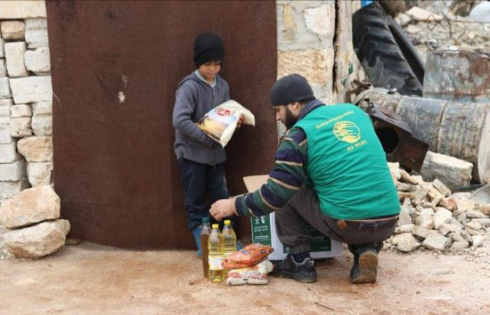 حملة مساعدات عاجلة من مركز الملك سلمان لنازحي حلب وإدلب