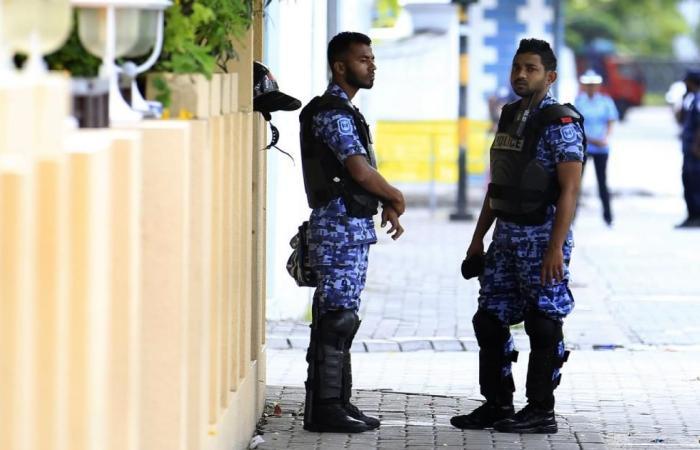 المالديف تتهم المعارضة بالانقلاب وتعلن الطوارئ