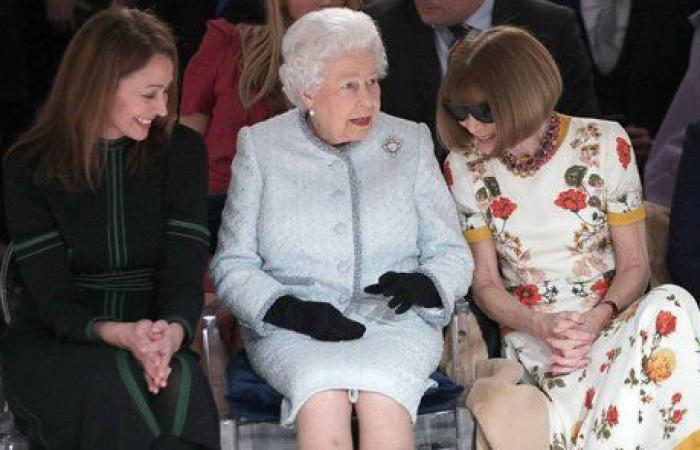 للمرة الأولى.. الملكة إليزابيث تشارك في أسبوع الموضة