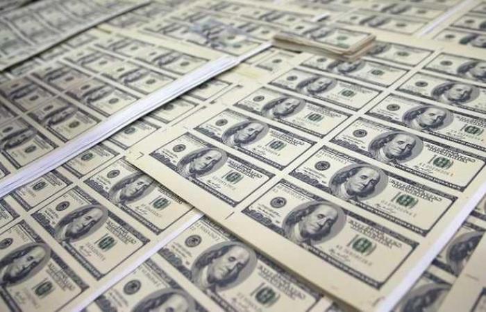 بعد وصوله الى أدنى مستوياته.. ما آخر أخبار الدولار؟