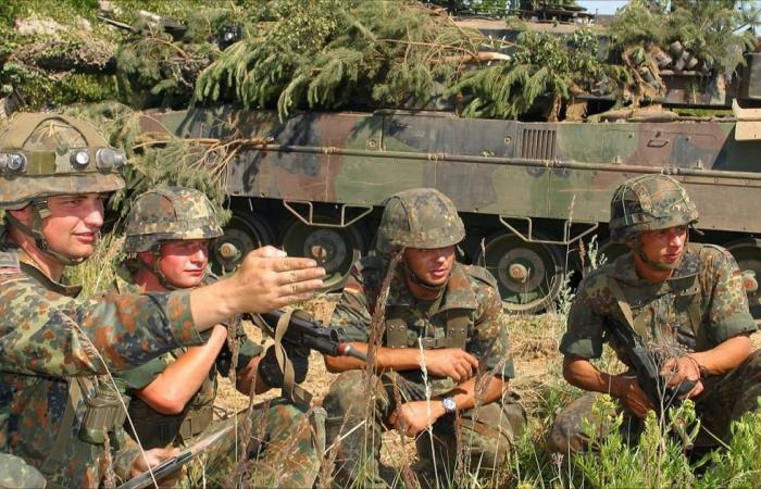 """الناتو يستعرض  بـ """"السيف البتار"""" على حدوده الشرقية"""