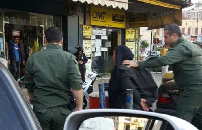 بالصور: بين التسول والسرقة.. توقيف أم وابنتها في طرابلس