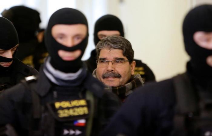 أنقرة تندد بالإفراج عن زعيم كردي في براغ