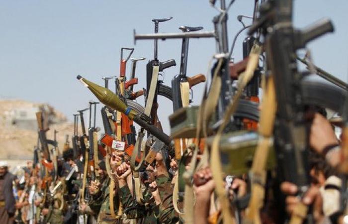 ميليشيا الحوثي تحوّل مزارع الساحل الغربي لثكنات عسكرية