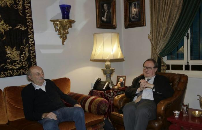 جنبلاط عرض التطورات مع الموفد الرئاسي الفرنسي