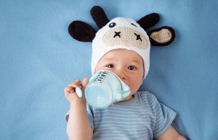 ما كمية السوائل التي يحتاجها الطفل في عامه الأول؟