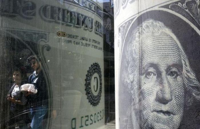 هل أصبح صعود احتياطي النقد وتفاقم ديون مصر لغزاً؟