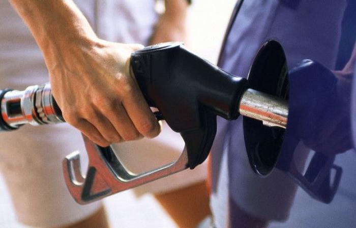 للبنانيين.. سعر البنزين انخفض!