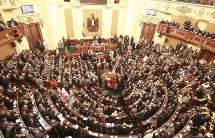 برلمان مصر يقر عقوبة الإعدام لحائزي المواد المتفجرة
