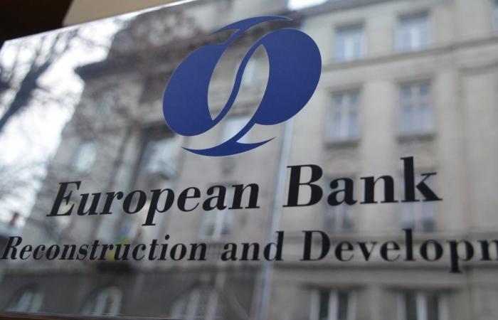 رئيس البنك الأوروبي لإعادة الإعمار والتنمية يزور لبنان في 15 الجاري