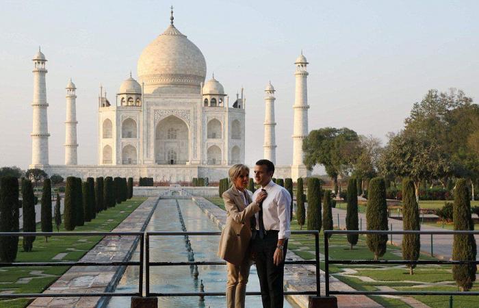 بالصور… ماكرون وزوجته في رحلة رومانسية في الهند