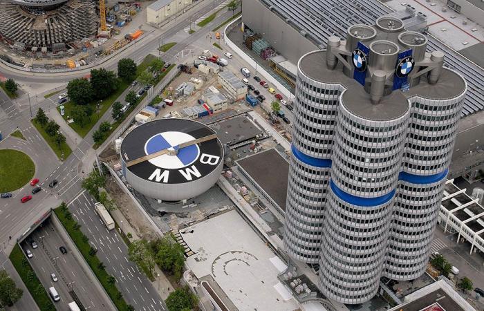 """إقتحام الشرطة الألمانية لشركة """"BMW"""""""