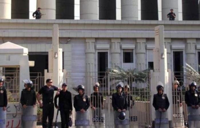المؤبد لـ9 أشخاص بتهمة تشكيل خلية إرهابية في مصر