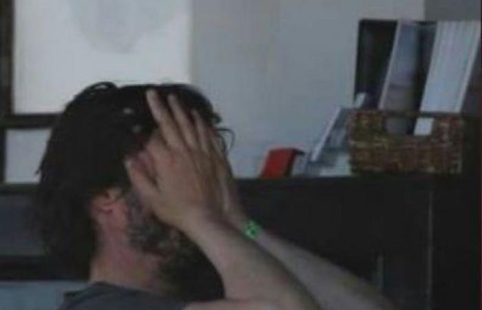 """بالصور: أشهر ممثلي هوليوود حزناً """"سكّير متشرّد""""… صور كيانو ريفز تغزو الانترنت"""