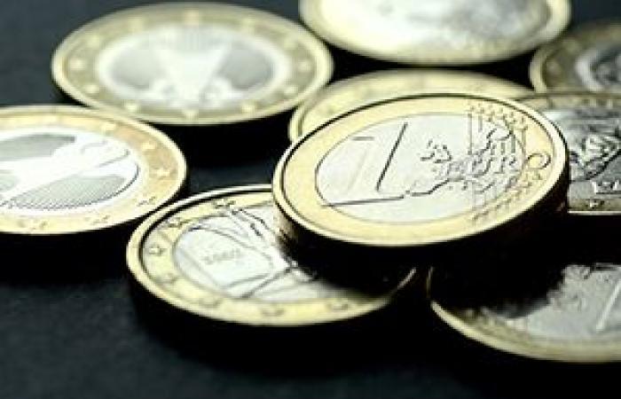 العملة الموحدة اليورو بصدد أول مكاسب أسبوعية لها في ثلاثة أسابيع أمام الدولار الأمريكي