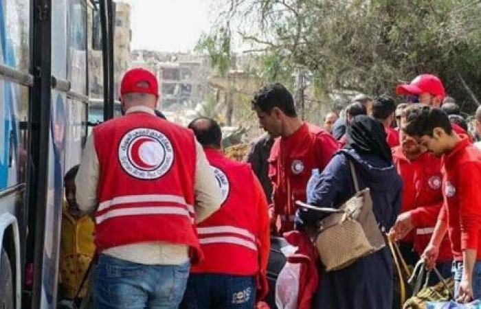 الغوطة الشرقية.. أحرار الشام تغادر وفيلق الرحمن يفاوض