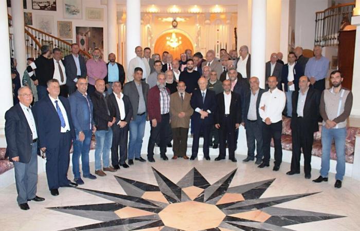 عبيد يكرم مخاتير طرابلس: مطالبكم أولويتنا