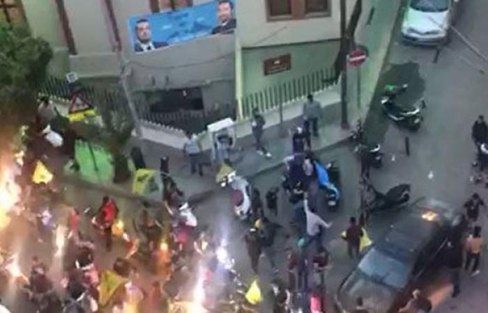 """بالفيديو… استفزازات """"حزب الله"""" إلى عائشة بكار واشكال مع """"المستقبل""""!"""