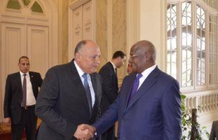 «شكري» لنظيره الأوغندي: طرحنا عدة حلول لكسر جمود مفاوضات سد النهضة
