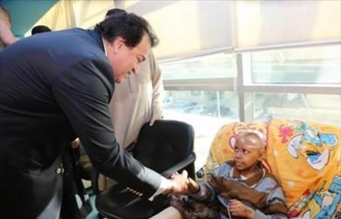 وزير التعليم العالي يتفقد مستشفى 57357