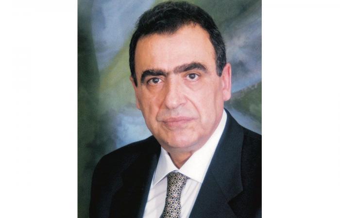 وزارة الدفاع نعت الوزير السابق محمود حمود